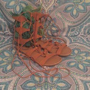 Gladiator sandals strings wrap around legs sz 9